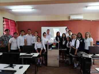 Alumnos de la escuela Tajy Loma